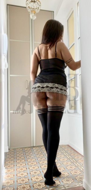 Lyndsay nuru massage in Inglewood
