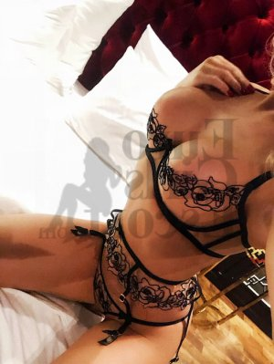 Maura erotic massage in Toledo