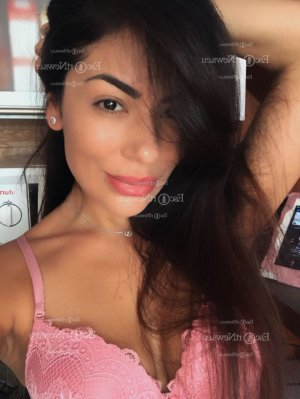 Sovanna nuru massage in Jenks